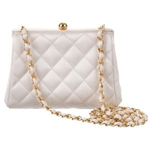🕊 CHANEL 🕊 24K Gold Authentic 💎Consider Trade💎